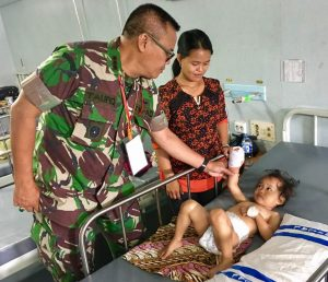 Satgas Kesehatan TNI Obati 1576 Warga Tarempa dan Jemaja