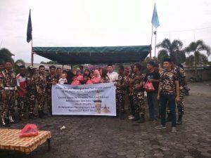 Jalin Silaturrahmi, KB PC FKPPI Kota Tapi Bagi Sembako di Sei Jang