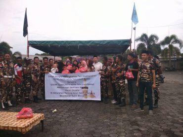 Jalin Silaturrahmi, KB PC FKPPI Kota Tanjungpinang Bagi Sembako di Sei Jang
