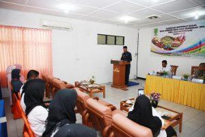 Wakil Walikota Tanjungpinang, H. Syahrul, S. Pd, saat membuka kegiatan pelatihan sistem jaminan halal serta fasilitas sertifikat halal dalam pengelolaan produk usaha.