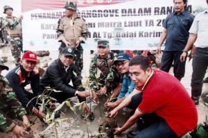 Lanal Tbk Tanam 1000 Bibit Manggorove di Coastal Area