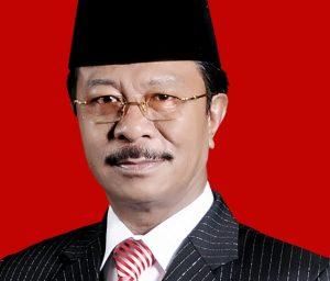 Ketua DPRD Kepri, Jumaga Nadeak